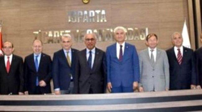 Isparta TSO Başkan ve yöneticileri kiracılarına indirim yaptı